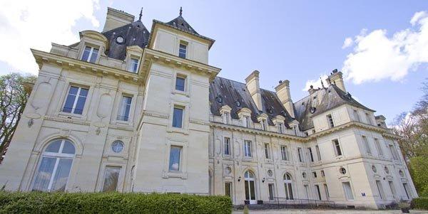 Paris Hotel Investment Chateau des Bonhommes
