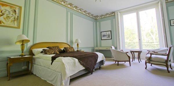 Chateau des Bonhommes Hotel Investment Paris